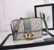 Dior 30 Montaigne Bag yD2083